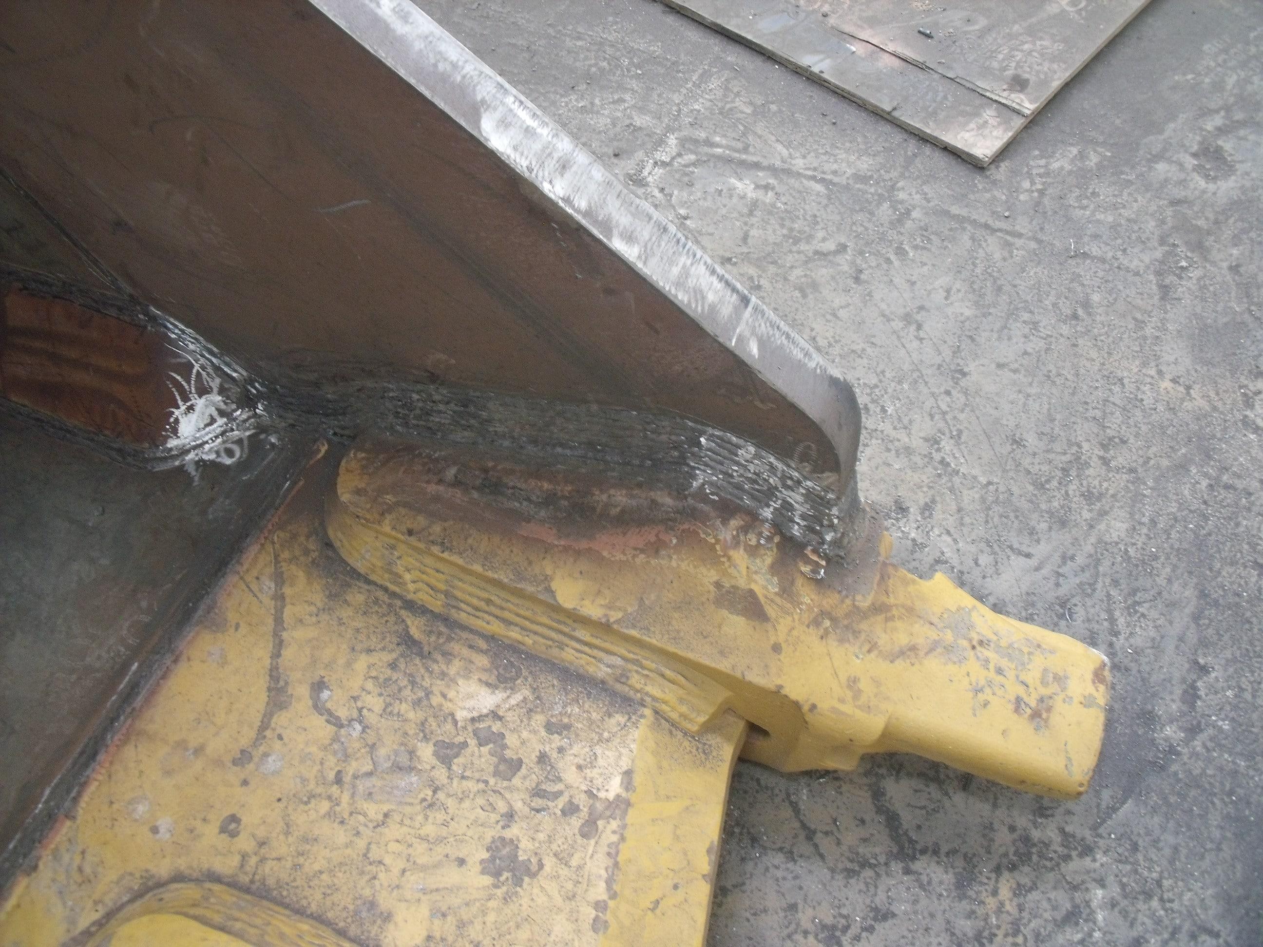 ekskavatör kova tırnak tadilatı